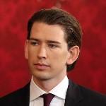 Sebastian Kurz külügyminiszter a szeptemberi választások eredményeképpen megalakult új nagykoalíciós osztrák kormány ünnepélyes beiktatásán a bécsi államfői rezidencián, a Hofburgban 2013. december 16-án. (MTI/AP/Ronald Zak)