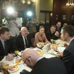 Miroslav Lajcák szlovák (b) és Martonyi János magyar külügyminiszter (b2) találkozik Vitalij Klicskóval, az Ütés (UDAR) párt elnökével (háttal, b2) egy kijevi szállodában 2014. február 28-án. MTI Fotó: Koszticsák Szilárd