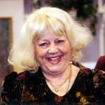 A Szeszélyes évszakok szórakoztató tv-s kabarémagazin 2000. februárban a huszadik évébe lépett. A műsor szereplői és készítői február 15-én ünnepséget tartottak a Szféra TV stúdiójában. A képen: Csala Zsuzsa színművésznő. MTI Fotó: Illyés Tibor