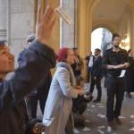 Az Összefogás a kortárs művészetért csoport aktivistái demonstrálnak a felújított Pesti Vigadó avatása előtt tartott demonstrációról 2014. március 14-én. MTI Fotó: Beliczay László
