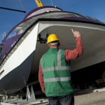A Hajógyári szigeten készült katamarán hajó a Wiking Yacht Clubban, a vízrebocsátás előtt 2014. március 22-én. A 30 méter hosszú és 10 méter széles, kétszintes, 250 fő befogadóképességű alumínium szerkezetű hajót a Magyar Kikötő Zrt. terveztette és építtette meg. A Táltos nevű hajó BKV-járatként fog közlekedni a Dunán.MTI Fotó: Marjai János