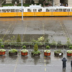 Budapest, 2007. szeptember 18. A kiürült Kossuth tér. A Rendszerváltó Fórum vezetője az MTV épülete előtt közölte, hogy délután visszavonták a Budapesti Rendőr-főkapitányságon a Kossuth térre október 20-ig vonatkozó tüntetésük bejelentését, mert a Magyar Nemzeti Bizottság 2006 nevű szervezettel nem kívánnak tovább együttműködni. MTI Fotó: Bruzák Noémi