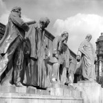 Budapest, 1952. április 28. A Kossuth-szoborcsoport a Kossuth téren. MTI Fotó/Magyar Fotó: Pálvölgyi Ferenc