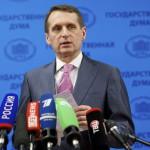 Szergej Nariskin, az orosz törvényhozás alsóházának elnöke sajtótájékoztatót tart a parlament ülése után Moszkvában 2014. március 17-én. Az előző napon az Ukrajnához tartozó Krím félszigeten a helyi oroszbarát vezetés által kiírt népszavazáson a lakosok nagy többsége az Oroszországhoz való csatlakozás mellett foglalt állást. (MTI/AP/Alekszander Zemljanyicsenko)