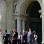 Orbán Viktor miniszterelnök (j2), Bognár Árpád, a kivitelező Swietelsky Magyarország Kft. ügyvezető igazgatója (b), L. Simon László, a budai várnegyed megújításáért felelős kormánybiztos (b2) és Nagy Gábor Tamás kerületi polgármester (j) a Várkert Bazár megújult épületegyüttesének ünnepélyes átadásán 2014. április 3-án. A világörökség részét képező műemlék fejlesztésének első ütemében teljesen felújították a kétszáz éve született Ybl Miklós által tervezett részeket, kialakítottak egy összesen 2500 négyzetméteres kiállítóteret, valamint egy 900 négyzetméteres rendezvénytermet is.MTI Fotó: Koszticsák Szilárd