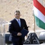 Orbán Viktor miniszterelnök a Várkert Bazár megújult épületegyüttesének ünnepélyes átadásán 2014. április 3-án. A világörökség részét képező műemlék fejlesztésének első ütemében teljesen felújították a kétszáz éve született Ybl Miklós által tervezett részeket, kialakítottak egy összesen 2500 négyzetméteres kiállítóteret, valamint egy 900 négyzetméteres rendezvénytermet is. MTI Fotó: Beliczay László