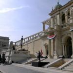 Orbán Viktor miniszterelnök beszédet mond a Várkert Bazár megújult épületegyüttesének ünnepélyes átadásán 2014. április 3-án. A világörökség részét képező műemlék fejlesztésének első ütemében teljesen felújították a kétszáz éve született Ybl Miklós által tervezett részeket, kialakítottak egy összesen 2500 négyzetméteres kiállítóteret, valamint egy 900 négyzetméteres rendezvénytermet is. MTI Fotó: Beliczay László