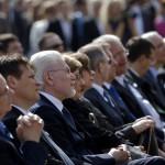 Díszvendégek, köztük Kerényi Imre miniszterelnöki megbízott (b), Bognár Árpád, a kivitelező Swietelsky Magyarország Kft. ügyvezető igazgatója (b2), Pálinkás József, a Magyar Tudományos Akadémia (MTA) elnöke (b3), Németh Lászlóné nemzeti fejlesztési miniszter (b4) a Várkert Bazár megújult épületegyüttesének ünnepélyes átadásán 2014. április 3-án. A világörökség részét képező műemlék fejlesztésének első ütemében teljesen felújították a kétszáz éve született Ybl Miklós által tervezett részeket, kialakítottak egy összesen 2500 négyzetméteres kiállítóteret, valamint egy 900 négyzetméteres rendezvénytermet is. MTI Fotó: Beliczay László