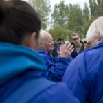 Forgács János holokauszttúlélő (k) a Nemzetközi Élet Menete 27. alkalommal megrendezett megemlékezésén és látogatásán az egykori auschwitzi koncentrációs táborban, a lengyelországi Oswiecimben 2014. április 28-án. MTI Fotó: Kallos Bea