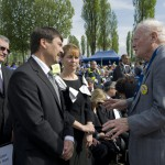 Forgács János holokauszt-túlélő (j), valamint Áder János magyar köztársasági elnök és felesége, Herczegh Anita a Nemzetközi Élet Menete megemlékezésén az egykori auschwitzi koncentrációs táborban Oswiecimben 2014. április 28-án. A megemlékezésen ötvennégy ország képviselőinek részvételével, a magyar zarándokokkal az élen vonult végig a Nemzetközi Élet Menete az auschwitzi egykori haláltáborból a mintegy három kilométerre lévő birkenaui emlékhelyre. MTI Fotó: Kallos Bea