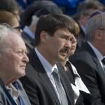 Forgács János holokauszt-túlélő (b) és Áder János köztársasági elnök (b2) a Nemzetközi Élet Menete megemlékezésén az egykori auschwitzi koncentrációs táborban Oswiecimben 2014. április 28-án. A megemlékezésen ötvennégy ország képviselőinek részvételével, a magyar zarándokokkal az élen vonult végig a Nemzetközi Élet Menete az auschwitzi egykori haláltáborból a mintegy három kilométerre lévő birkenaui emlékhelyre. MTI Fotó: Kallos Bea