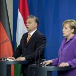 A Miniszterelnöki Sajtóiroda által közreadott felvételen Angela Merkel német kancellár és Orbán Viktor miniszterelnök sajtótájékoztatót tart Berlinben 2014.május 8-án. MTI Fotó: Miniszterelnöki Sajtóiroda / Burger Barna