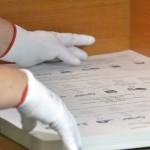 Csomagolják a május 25-ei európai parlamenti választásra készült szavazólapokat a budapesti ANY Biztonsági Nyomdában 2014. május 7-én. MTI Fotó: Máthé Zoltán