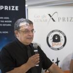 Pacher Tibor, a Puli Space alapítója és csapatvezetője (b) a világ egyik legjelentősebb technológiai versenyének, a Google Lunar XPRIZE-nak a sajtótájékoztatóján a budapesti Design Terminálban 2014. június 3-án. Mellette Böszörményi-Nagy Gergely, a Design Terminál főigazgatója. MTI Fotó: Mohai Balázs