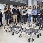A Puli holdjáró két prototípusa a világ egyik legjelentősebb technológiai versenyének, a Google Lunar XPRIZE-nak a sajtótájékoztatóján a budapesti Design Terminálban 2014. június 3-án. MTI Fotó: Mohai Balázs