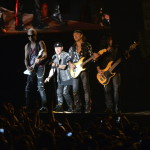 A német Scorpions együttes a Szabadságkoncerten, a budapesti Hősök terén 2014. június 16-án, a Nagy Imre és mártírtársai 1989-es újratemetésének emléknapján, a rendszerváltoztatás 25. évfordulóján. A zenekar az ingyenes koncerten az Omega együttessel lépett fel.MTI Fotó: Koszticsák Szilárd