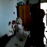 Szobadísz egy család otthonában Tatabánya mésztelepi városrészében 2014. június 20-án. Ezen a napon Czibere Károly, az Emberi Erőforrások Minisztériuma (Emmi) szociális ügyekért és társadalmi felzárkózásért felelős államtitkára látogatást tett az ezerkétszáz lakosú Mésztelepen. MTI Fotó: Kovács Tamás