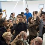 A dél-koreai Crow's Eye View: The Korean Peninsula (A holló szemével: a Koreai-félsziget) című kiállítás alkotói ünnepelnek, miután elnyerték az Arany Oroszlán-díjat a 14. Velencei Nemzetközi Építészeti Biennálén 2014. június 7-én. MTI Fotó: Kallos Bea