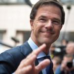 Brüsszel, 2014. június 27.  Mark Rutte holland miniszterelnök érkezik az EU-országok állam-, illetve kormányfőinek csúcstalálkozójára Brüsszelben 2014. június 27-én, a találkozó második napján. (MTI/EPA/Stephanie Lecocq)