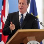 Brüsszel, 2014. június 27.  David Cameron brit kormányfő sajtóértekezletet tart az EU-országok állam-, illetve kormányfőinek csúcstalálkozója után Brüsszelben 2014. június 27-én. Az Európai Tanács Jean-Claude Juncker volt luxemburgi kormányfőt jelölte az Európai Bizottság élére. (MTI/AP/Yves Logghe)