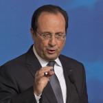 Brüsszel, 2014. június 27.  Francois Hollande francia elnök sajtóértekezletet tart az EU-országok állam-, illetve kormányfőinek csúcstalálkozója után Brüsszelben 2014. június 27-én. Az Európai Tanács Jean-Claude Juncker volt luxemburgi kormányfőt jelölte az Európai Bizottság élére. (MTI/AP/Michel Euler)