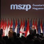 Tóbiás József, az egyedüli elnökjelölt (j) és Horváth Csaba (b2) az MSZP rendkívüli tisztújító kongresszusán, a budapesti Syma Rendezvénycsarnokban 2014. július 19-én. A küldöttek új elnököt és vezető tisztségviselőket választanak. MTI Fotó: Szigetváry Zsolt