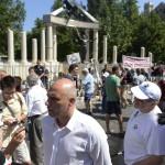 Tóbiás József, az MSZP új elnöke nyilatkozik A német megszállás áldozatainak emlékművénél Budapesten, a Szabadság téren 2014. július 20-án. MTI Fotó: Bruzák Noémi