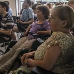 Budapest, 2014. augusztus 9. Résztvevők a 10 éves hazai OpenStreetMap közösség és a Mozgáskorlátozottak Egyesületeinek Országos Szövetsége szervezésében, a belváros akadálymentességi térképét elkészítő eseményen, a budapesti Design Terminálban 2014. augusztus 9-én. MTI Fotó: Kallos Bea