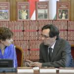 Kurucz Éva kormányszóvivő és Kerényi Imre miniszterelnöki megbízott a Nemzeti Könyvtár hatodik sorozatában megjelent köteteket bemutató sajtótájékoztatón a Parlamentben 2014. szeptember 16-án. MTI Fotó: Illyés Tibor