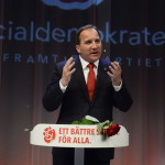 Stefan Löfven, az ellenzéki szociáldemokraták vezetője beszél támogatói előtt Stockholmban 2014. szeptember 14-én, miután a baloldalra épülő szövetség első helyen végzett a Svédországban tartott parlamenti választásokon. (MTI/EPA/Jonas Ekstromer)