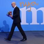 Fredrik Reinfeldt svéd miniszterelnök, a konzervatív Mérsékelt Párt vezetője támogatói előtt tartott beszédét követően Stockholmban 2014. szeptember 14-én, miután vereséget szenvedtek a baloldalra épülő szövetségtől a Svédországban tartott parlamenti választásokon. (MTI/EPA/Henrik Montgomery)