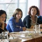 Szabó Tímea (b) és Szelényi Zsuzsanna (b2), az Együtt-PM-ben politizáló független országgyűlési képviselők, valamint Vadai Ágnes, a Demokratikus Koalícióhoz (DK) tartozó független parlamenti képviselő (j) A nők részvétele a politikában - hazai és nemzetközi körkép a 2014-es parlamenti választások után és az önkormányzati választások előtt című tanácskozáson a Budapesti Európai Ifjúsági Központban 2014. október 3-án. MTI Fotó: Koszticsák Szilárd