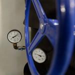 A Magyar Honvédség Egészségügyi Központ Róbert Károly körúti épületeinek újonnan átadott hűtési, illetve fűtési rendszerének műszerei 2014. október 7-én. MTI Fotó: Bruzák Noémi