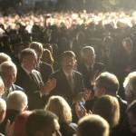 Áder János köztársasági elnök (k) a keletnémet békés forradalom fordulópontjaként számon tartott 1989. október 9-ei lipcsei tömegtüntetés 25. évfordulója alkalmából rendezett megemlékezést záró Fényünnepen Lipcsében 2014. október 9-én este. Az államfő mellett balról Andrej Kiska szlovák, jobbról Bronislaw Komorowski lengyel elnök. MTI Fotó: Bruzák Noémi