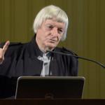 Fekete György, a Magyar Művészeti Akadémia (MMA) elnöke mond beszédet az MMA és a Nemzetstratégiai Kutatóintézet Értékválasztás a Kárpát-medence kortárs művészetében címmel tartott szimpóziumán a Pesti Vigadóban 2014. október 18-án. MTI Fotó: Soós Lajos