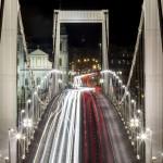 Az Erzsébet híd 2014. november 20-án. Ötven éve, 1964. november 21-én adták át a II. világháború alatt megsemmisült, majd újjáépített hidat a közforgalomnak. MTI Fotó: Szigetváry Zsolt