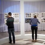 Látogatók A front felett című kiállítás megnyitója után a  Magyar Nemzeti Múzeumban Budapesten 2014. december 19-én. MTI Fotó: Marjai János