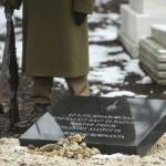 Emléktábla a Kozma utcai zsidó temető felújított első világháborús hősi parcellájában 2015. január 26-án. MTI Fotó: Koszticsák Szilárd