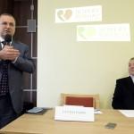 Lantos Csaba, egészségügyi befektetéseiről ismert üzletember (b) sajtótájékoztatón beszél Budapesten, a Róbert Rendelőintézetben 2015. január 12-én. A tájékoztatón bejelentették, hogy a Róbert Károly Magánkórház megvásárolta a Telki Kórház Kft. Budakeszi úton található rendelőintézetét, amelyet Róbert Rendelőintézet néven működtet tovább. Jobbról Kovács Gábor, az ország első magánkórházának, a Telki Magánkórháznak az alapítója. MTI Fotó: Soós Lajos
