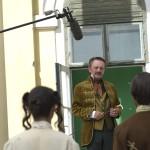 """Szacsvay László (b2) Cselőtei Máté szerepében a Kossuthkifli című tévésorozat forgatásán a fóti kastélynál 2013. augusztus 12-én. Félidejénél tart a Fehér Béla regényéből készülő hatrészes """"történelmi road movie"""" forgatása. A sorozat költségvetése jelenleg 740 millió forint, amelyből 480 millió forintot a Médiaszolgáltatás-támogató és Vagyonkezelő Alap finanszíroz. MTI Fotó: Kallos Bea"""