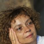 Hársing Hilda forgatókönyvíró a Fehér Béla regénye alapján készülő, Kossuthkifli című történelmi kalandfilm-sorozat indító sajtótájékoztatóján a forgatás egyik fontos helyszínén, a szentendrei Skanzenben 2013. július 11-én. A hatrészes szériát a közmédia várhatóan jövő év őszén kezdi vetíteni. MTI Fotó: Kovács Attila