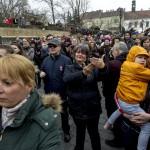Petőfi Sándor Nemzeti dal című versét szavalják a Budai várban az 1848-49-es forradalom és szabadságharc 167. évfordulóján, 2015. március 15-én. A Mi március 15-énk című kezdeményezés keretében az ország több száz településén szavalták el egy időben a Nemzeti dalt. MTI Fotó: Szigetváry Zsolt
