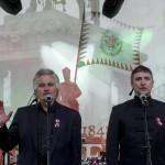 Körtvélyesi Zsolt (b) és Laklóth Aladár színészek Petőfi Sándor Nemzeti dal című versét szavalják a Budai várban az 1848-49-es forradalom és szabadságharc 167. évfordulóján, 2015. március 15-én. A Mi március 15-énk című kezdeményezés keretében az ország több száz településén szavalták el egy időben a Nemzeti dalt. MTI Fotó: Szigetváry Zsolt
