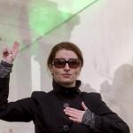 Mázló Tímea hallássérült színész Petőfi Sándor Nemzeti dal című versét szavalja jelnyelven a Budai várban az 1848-49-es forradalom és szabadságharc 167. évfordulóján, 2015. március 15-én. A Mi március 15-énk című kezdeményezés keretében az ország több száz településén szavalták el egy időben a Nemzeti dalt. MTI Fotó: Szigetváry Zsolt
