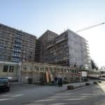 A felújítás alatt álló hatvani Albert Schweitzer Kórház 2015. március 9-én. A 2,7 milliárd forintos beruházás részeként az intézmény orvosi eszközparkja is megújul csaknem egymilliárd forint értékben, a berendezések folyamatosan érkeznek. MTI Fotó: Komka Péter