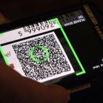 Az SMark biztonsági címkét leolvasó okostelefonos alkalmazás az új SMark (Secure Mark) projekt bemutatóján a Magyar Tudományos Akadémia Kodály-termében 2015. március 3-án. A világon eddig sehol nem alkalmazott, magyar tudósok által kifejlesztett termékazonosító technológia egy olyan biztonsági címke, amelynek használatával az eredetiség kétség nélkül azonosítható. MTI Fotó: Kovács Attila