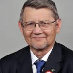 Bársony István villamosmérnök, a Magyar Tudományos Akadémia levelező tagja, a Magyar Tudományos Akadémia Energiatudományi Kutatóközpontja Műszaki Fizikai és Anyagtudományi Intézetének igazgatója, aki átvette a Széchenyi-díjat az 1848-49-es forradalom és szabadságharc kitörésének évfordulója alkalmából tartott ünnepségen a Parlamentben 2015. március 15-én. MTI Fotó: Kovács Attila