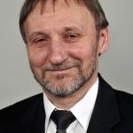 Balázs András, a Magyar Tudományos Akadémia Wigner Fizikai Kutatóközpontjának tudományos munkatársa, aki átvette a megosztott Széchenyi-díjat az 1848-49-es forradalom és szabadságharc kitörésének évfordulója alkalmából tartott ünnepségen a Parlamentben 2015. március 15-én. MTI Fotó: Kovács Attila