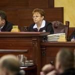 Máziné Szepesi Erzsébet bíró, tanácselnök a romák sérelmére elkövetett sorozatgyilkosságok másodfokú büntetőperén a Fővárosi Ítélőtáblán 2015. április 15-én, az első tárgyalási napon. MTI Fotó: Szigetváry Zsolt