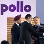 Orbán Viktor miniszterelnök (j), valamint Onkar S. Kanwar, a társaság elnöke (b) és Neeraj Kanwar alelnök (k) elhelyezik az időkapszulát az indiai Apollo Tyres mintegy 146 milliárd forintos befektetéssel megépülő gumigyárának alapkőletételén a Heves megyei Gyöngyöshalászon 2015. április 10-én. Az Apollo első európai zöldmezős beruházásaként megépülő gyárban a tervek szerint naponta 16 ezer személyautóhoz, és 3000 haszongépjárműhöz gyártanak majd abroncsokat 2017 elejétől az - Oroszországot és Törökországot is magában foglaló - európai piac számára. MTI Fotó: Koszticsák Szilárd